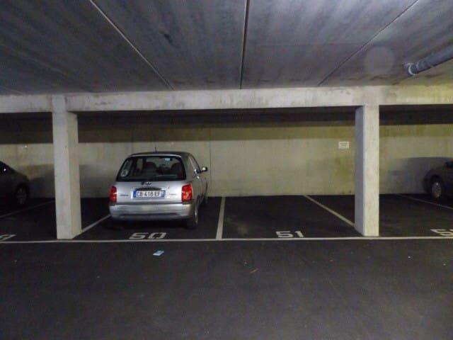 Place de parking sous sol