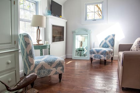 Cutest Private Beach Cottage on the Coast! - Middletown - Maison