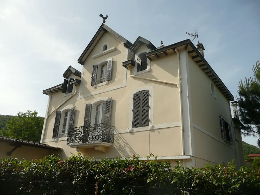 Southern france village dream home houses for rent in for Southern dream homes