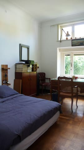 Chambre 1-2 Pers Bruxelles (10min center by tram)