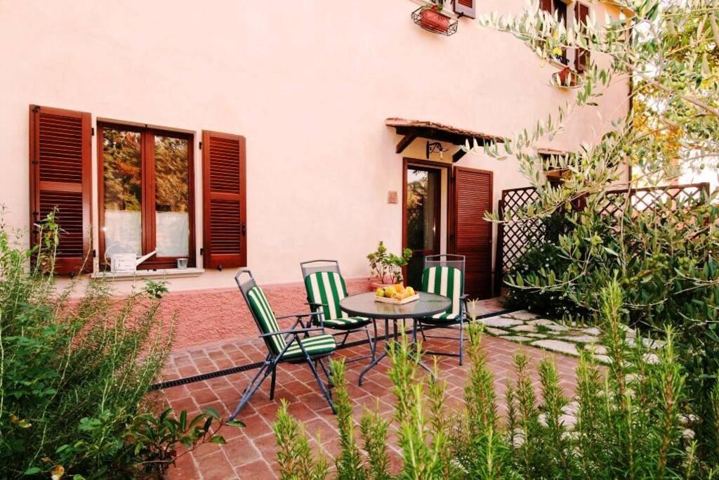 un giardino di appartamento