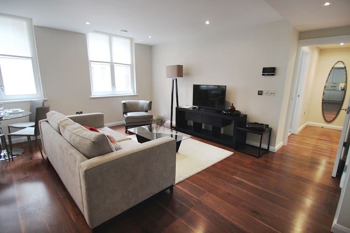 01 BR Serviced Apartment in Chancery Lane
