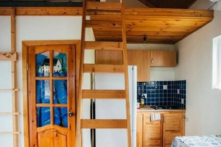 Уютный дом-студия у моря