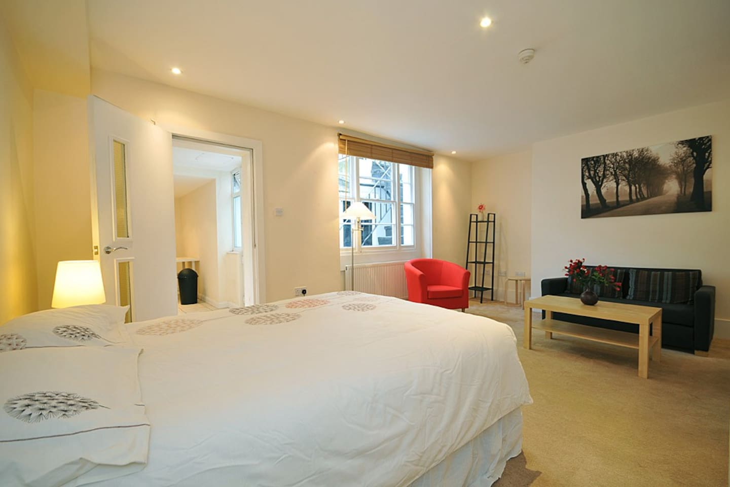 Large Studio in the heart of Bayswater
