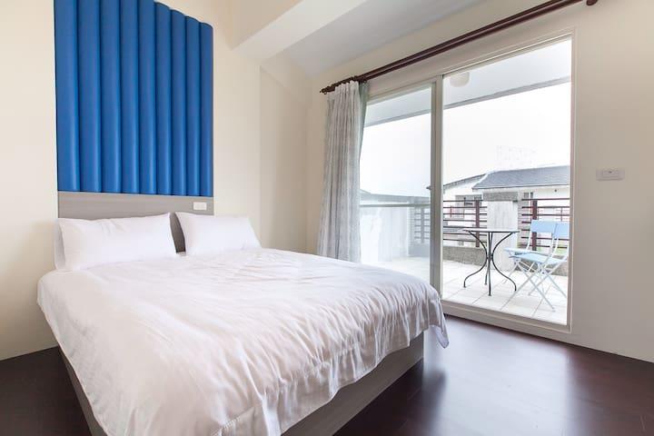 位於冬山河,河畔水漾民宿:4樓A觀景雅房 - 宜蘭 - House
