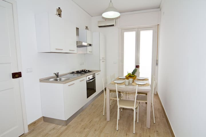 Chiara's Apartament - Mazzeo - Apartamento