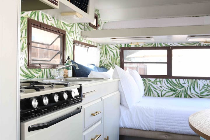 Fresh Tiny Home Trailer in Downtown L.A.