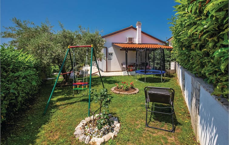 Holiday cottage with 2 bedrooms on 61m² in Kostrena