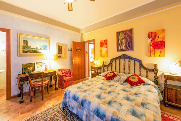 CASAKITA  (camera Havana) - Cortona - Bed & Breakfast