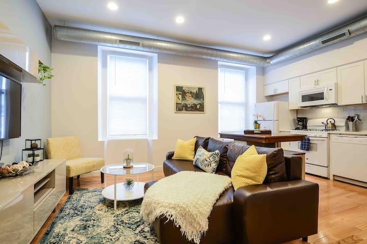 Art Museum Area | 1 BR,  Bright and Comfortable