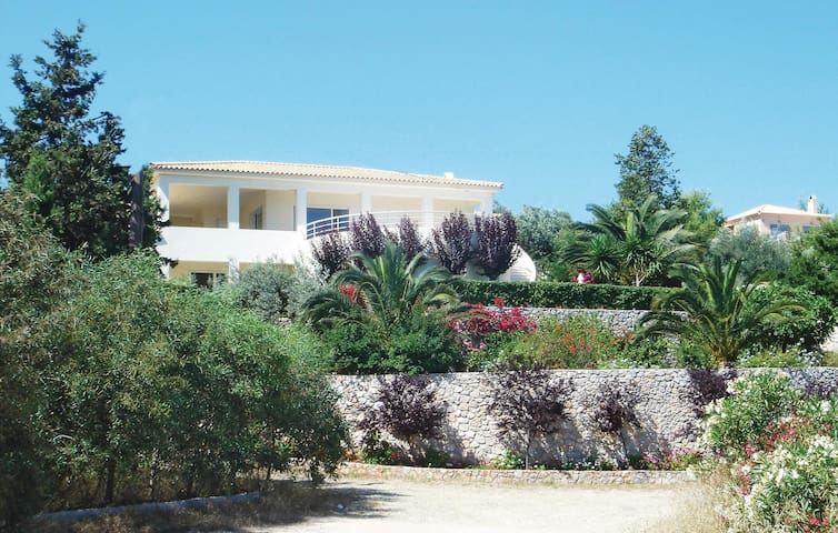 Holiday apartment with 2 bedrooms on 72 m² in Porto Heli Ermioni