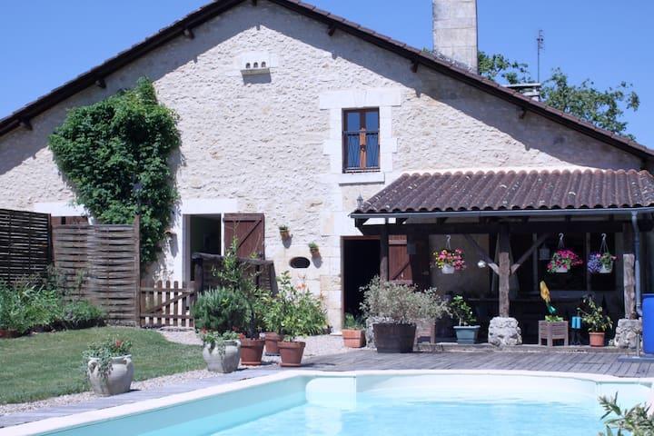 Grande maison avec piscine, Brantôme en Périgord