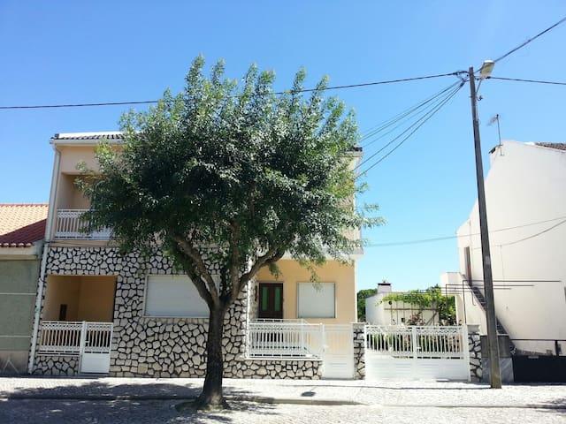 CHARMING AND COZY TRADITIONAL HOUSE - Pinhal Novo - Apartament