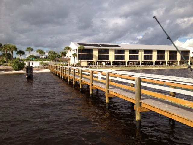 Fishing Paradise with Private Pier  - Port Charlotte - Daire