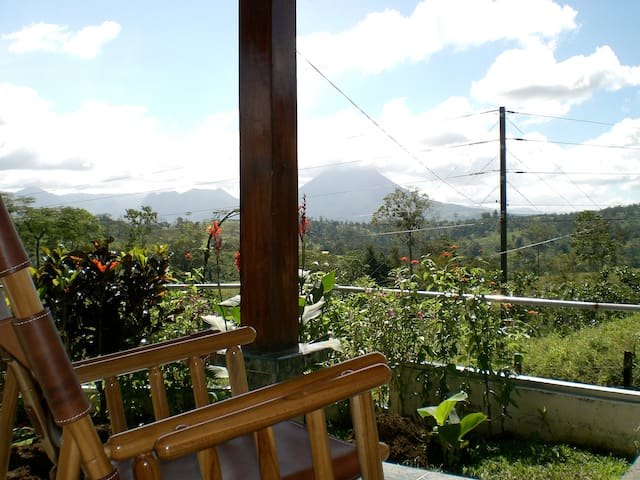 Two bedroom house with garden - La Fortuna - Talo