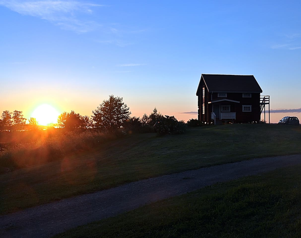 A fantastic sunset that can be seen from the lodge.