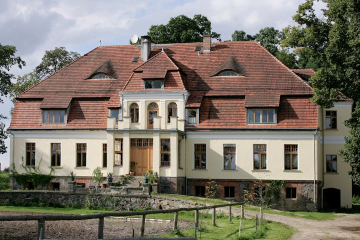 Herrenhaus in Naffin Polen Reittour - Bialogard