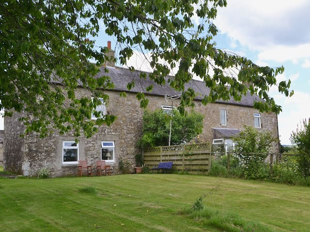 Highfield Farm Cottage (UK3041)