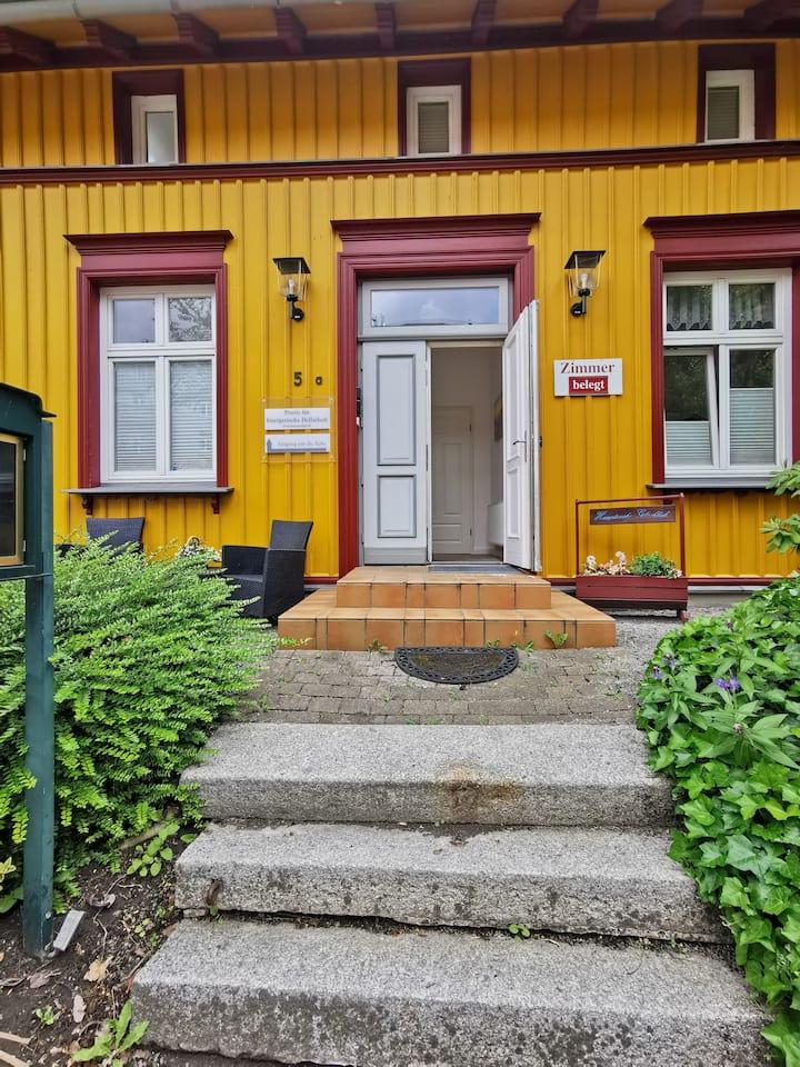Doppelzimmer mit Balkon im Sommerhaus Seidel