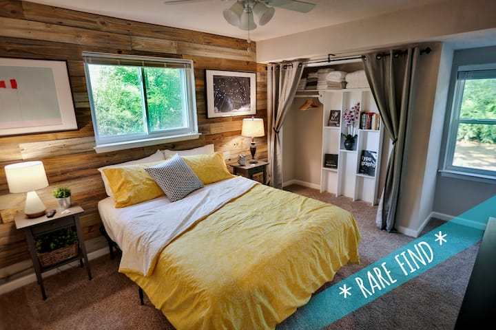 ★Exclusive 1+ Acre Wooded Retreat by AT&T Stadium★