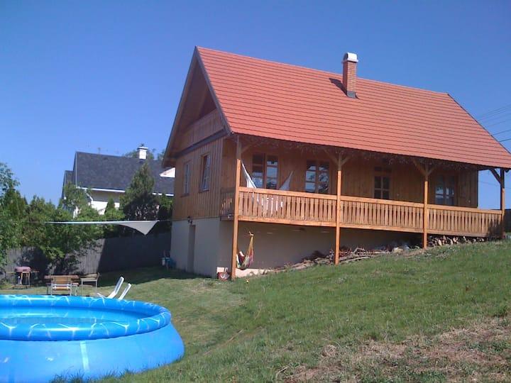 Berkenye Cottage for digital nomads