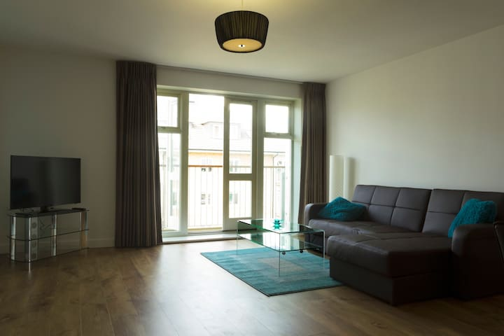 Tasteful flat near Heathrow/London - West Drayton - Apartment