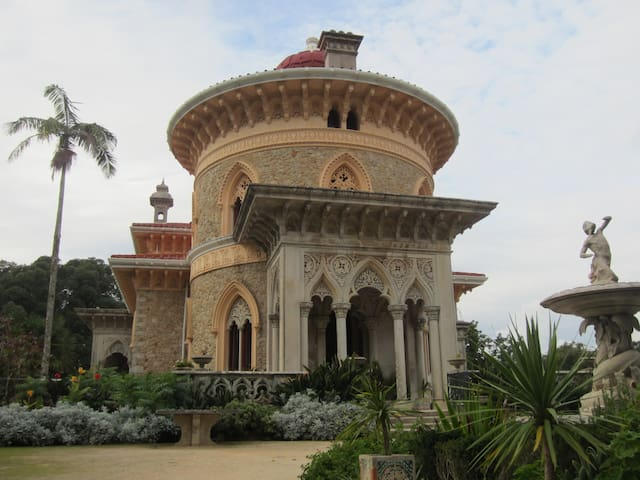 Monserrate palace in our way to Sintra ! History goes back to the period when Portugal was ruled by the Moors till William Beckford 1787 fell in love with Cintra crowned in later style by Sir Francis Cook they created glorious Eden