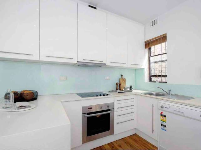 Newly renovated two floor flat in Bondi Beach