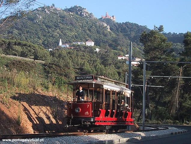 Old train Colares-Sintra