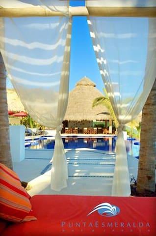 Beachfront Twnhouse Puerto Vallarta - La Cruz de Huanacaxtle - Haus