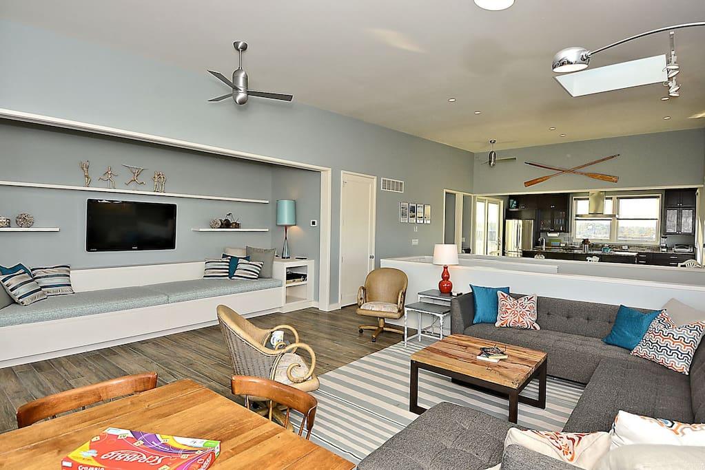 3rd Floor - Living Room