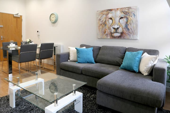 Summit house -Rcrs- opposite Reading train station