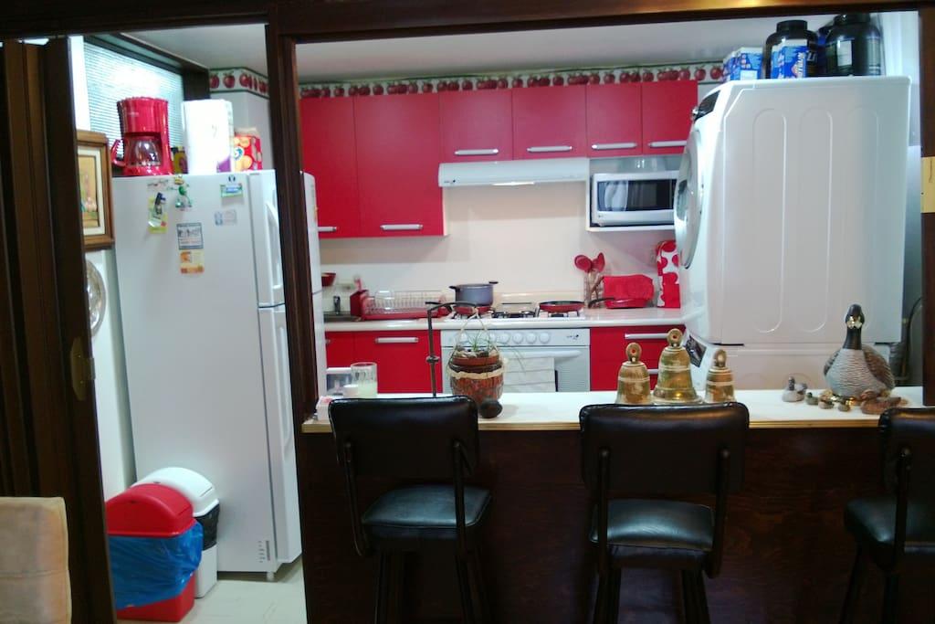 Cocina Integral  con Lavadora y Secadora