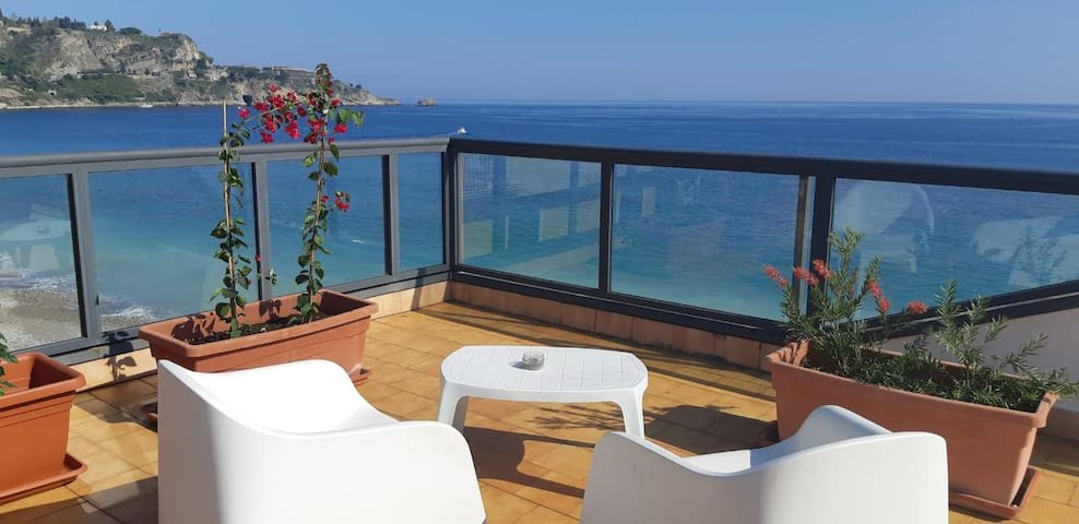 Taormina sloping roof Apartment Side Sea View