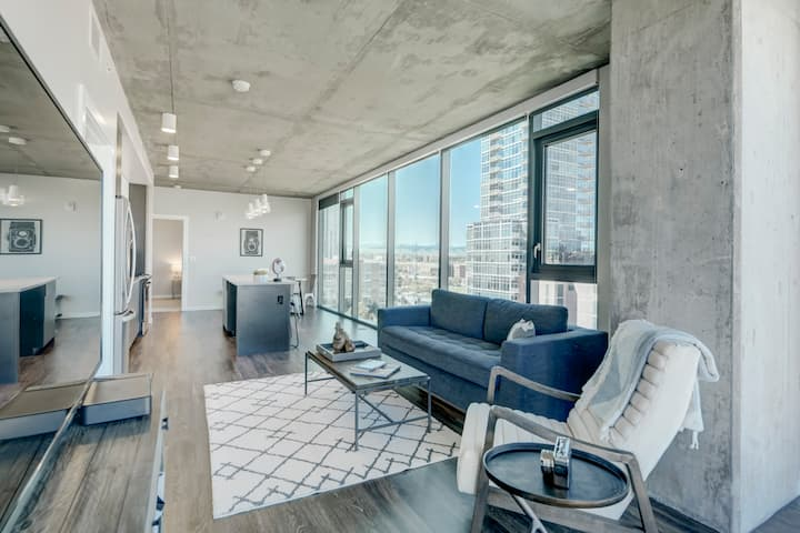 Mint House Downtown Denver: 2BR Apartment
