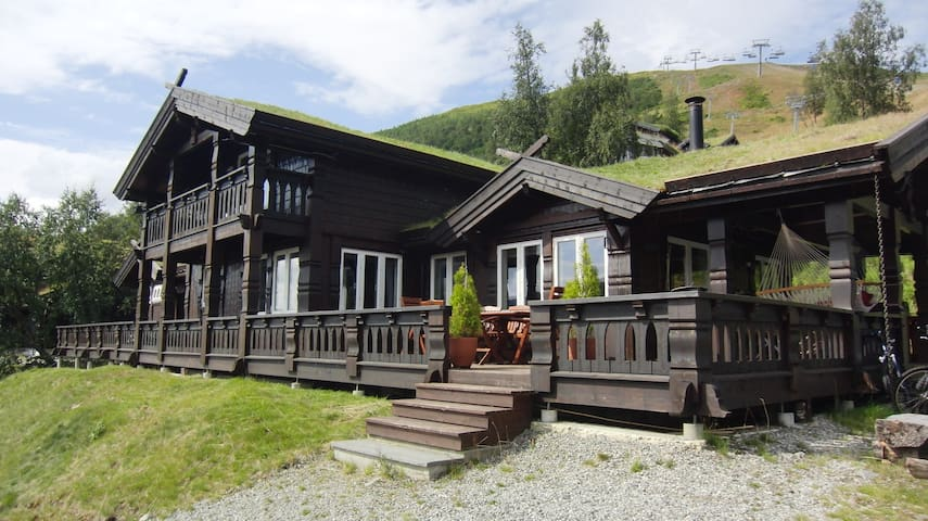 Luxurious Large Cabin in mountain resort - Voss - Stuga
