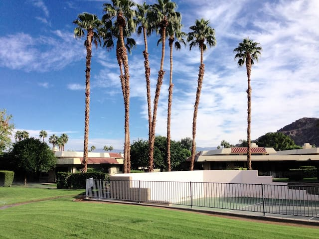 Indian Wells County Club Gated Home - Indian Wells - Haus