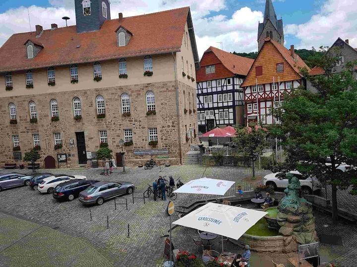 Ferienwohnung Historischer Marktplatz (Spangenberg) -, Ferienwohnung Dachgeschoss Historischer Marktplatz, 1 Schlafzimmer, max. 2 Personen
