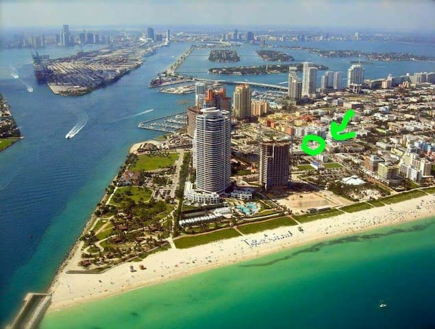 South Beach Room in 1br w/king bed &privateBalcony