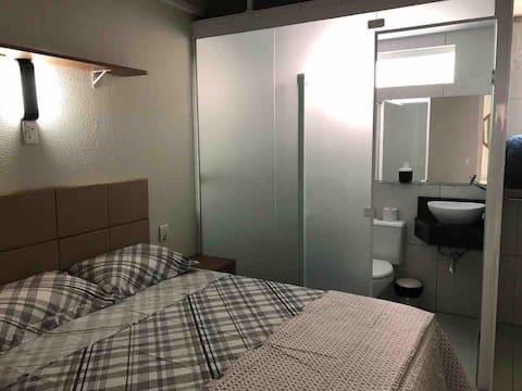 01 Suite with bathroom, Air Conditioning Cable TV, internet