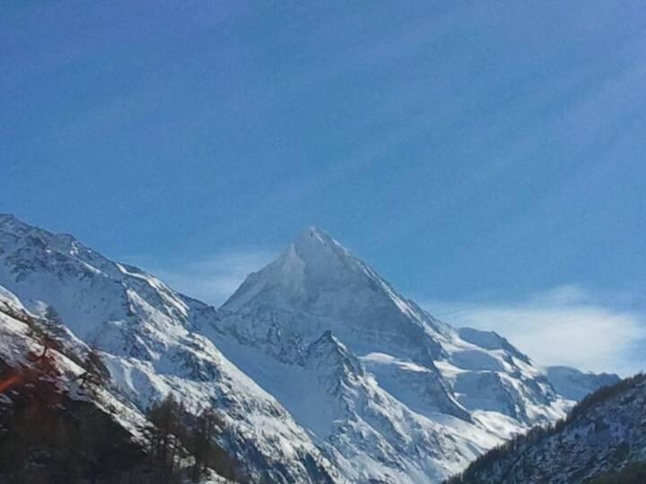 Vue sur glacier T + 2 x 4'000 mètres