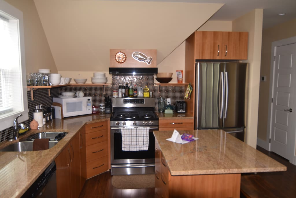 This well appointed chef's kitchen is the perfect spot to prepare everything from your morning coffee to a gourmet meal