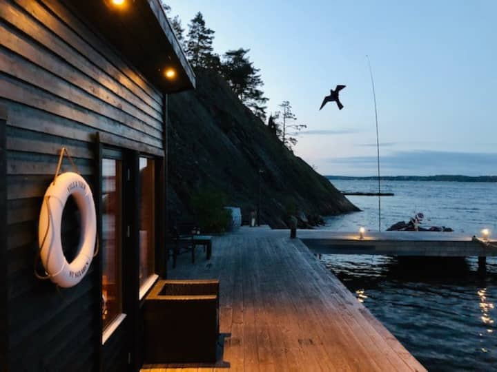 Sea cottage in the archipelago with pool and sauna