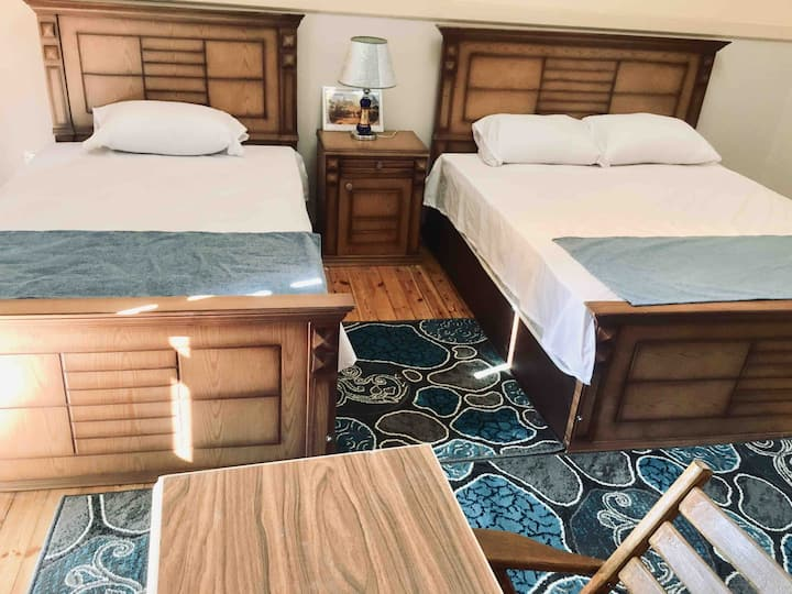 2 Beds private Room with Private Bathroom-Downtown