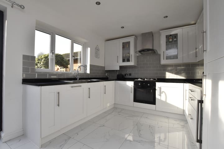 STUNNING REFURBISHED HOME WITH AVAILABLE ROOMS