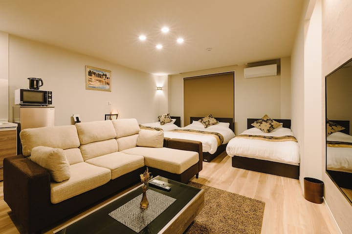 GRAND BASE Karatsu Ekiminami -101- Accomodate 4 members, Free WiFi, kitchen
