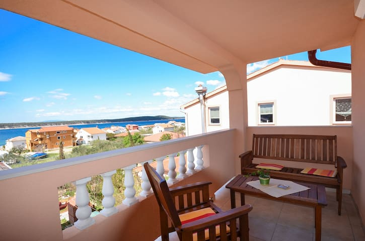 One bedroom Apartment, seaside in Barbat - island Rab, Terrace