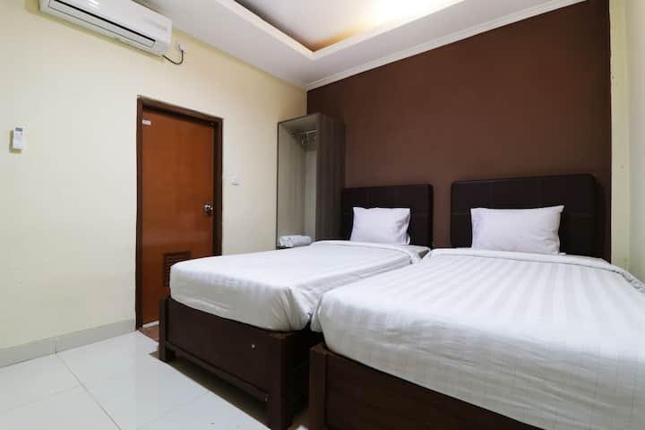 Nice Deluxe Room at Hotel Istana Bungur