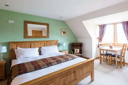 Super Kingsize Ensuite Room 1 - Bed & Breakfast