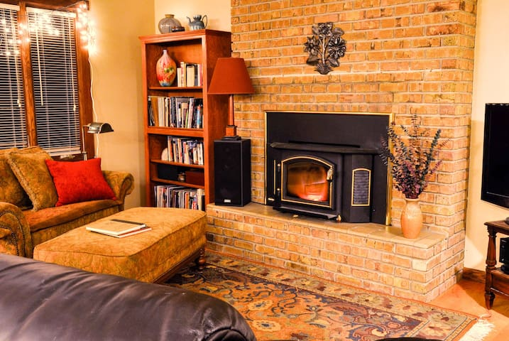 Super comfortable LR with wood-burning fireplace.